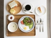 朝食は身体に優しい自家製メニューです