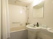 バスルーム 洗面・トイレは各客室内にございます