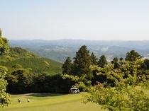 第2駐車場からの景色(鹿野山ゴルフ倶楽部8番グリーン)