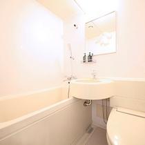 清潔な明るい浴室