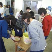 手作り体験(味噌作り)