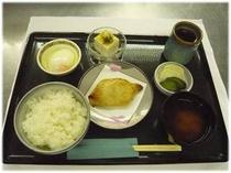 朝食「和定食」¥820 予約制  7:30〜10:30