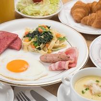 *朝食(洋食一例)/朝食は日替わりで、和洋食をご用意させていただきます。