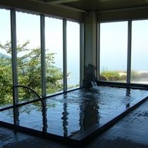 大浴場にはサウナもあり朝夕と男女入替え制でご利用いただけます。