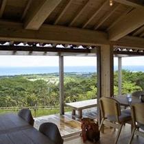 *カフェ・レストラン「こくう」/窓ガラスの無い、沖縄ならではの解放感がたまりません!