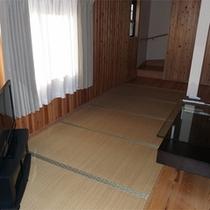 103号棟-「楽」raku リビングダイニングとベッドルームの他に、和室と洋室があります!