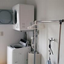 103号棟-「楽」raku 最新設備★洗面&ランドリーコーナーも快適。暮らすようにお過ごし頂けます