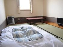 【和室一例】畳の温もりを感じる和室です。