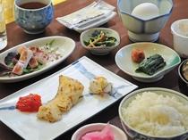 【朝食の一例】一日の始まりは朝食から♪