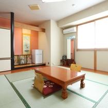 【割烹旅館井元和室8畳】ゆったりできる和室8畳のお部屋です。