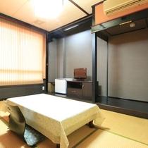 【ビジネスホテル井元本館】-和室6畳-落ち着いた雰囲気のお部屋です。