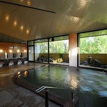 大浴場。美肌の湯。洗い場が男子湯10か所。女子湯10か所あります。楽天500