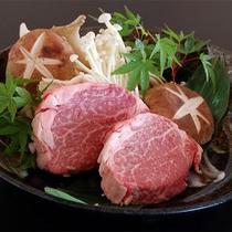 松阪牛ステーキ。霜降りの柔らかい肉になります。<m(__)m>楽天500