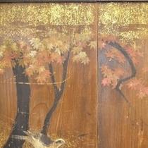 350年前の木の屏風。風情があるので一見の価値あり。(*^_^*)楽天500
