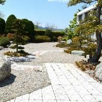 美しい日本庭園。是非ごらんください。(*^^)v楽天500