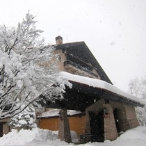冬 ホテル外観