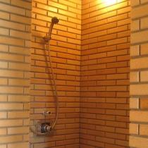 大浴場にはシャワーブースも完備