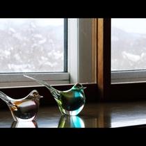 客室からは小野川湖や磐梯山が一望できます