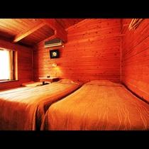 客室は全室ツイン+エエキストラベッド付き♪秋田杉を使用した、温もり溢れる空間