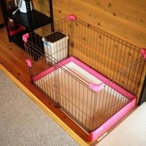 *【ペットゲージ(小型犬用)】コテージ内にはわんちゃん専用のスペースがあります!