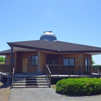 星形で天体望遠鏡付き宿泊棟のコテージは、それぞれ1等星の名前が付けられております。