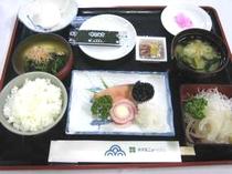 イカ刺し付和定食(朝食)