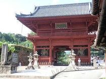 当宿の目の前、「粉河寺」。