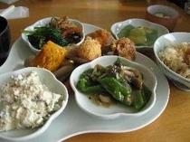 【青洲の里】お惣菜バイキング。当館から30分くらい