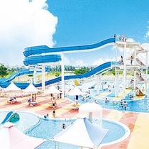 *【屋外プール】ウォータースライダー3基。流れるプールは全長約380m。※夏期のみ