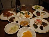 夕食バイキング、箱根限定ビールや、地酒も楽しんでください。
