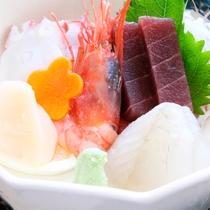 *岬御膳ふぐ鍋コース/お刺身の盛り合わせはコースによって内容が異なります。
