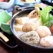*ビジネスプラン夕食一例/体があたたまるつみれ鍋♪お刺身やフライなど、一通りお楽しみいただけます。