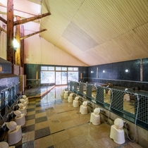 解放感のある広い洗い内風呂