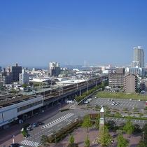 【ホテルからの展望】晴れた日には瀬戸大橋・瀬戸内海まで見渡すことが出来ます。