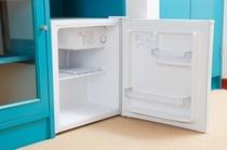 冷蔵庫(中身は空です)
