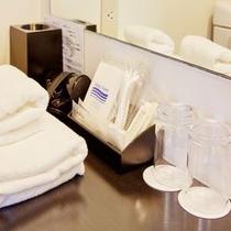 客室洗面台には備品が勢ぞろい