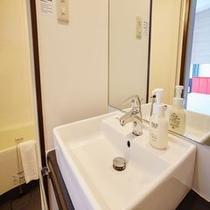 客室内洗面台にはハンドウォッシュをご用意