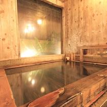 *ひのきのあたたかみと源泉掛け流しの温泉で旅の疲れも癒されます。