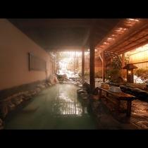 【詳細情報】【貸切露天風呂】奥まった中にある露天風呂は独特の風情