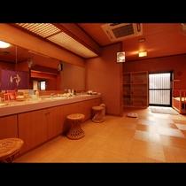 【女性更衣室】広々としたスペースをご用意しており、ベビーベッドも完備