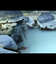 当館自慢の源泉掛け流しの温泉を心ゆくまでお愉しみください。