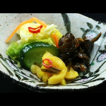 箸休めの香の物は3種盛りとなっております