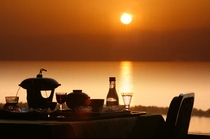 ホテル瀬波観光の夕食風景