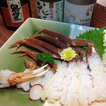 蟹刺しと地元日本酒