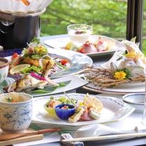 *当館前の長良川は日本でも有数の鮎の名産地。もちろん天然!郡上ならではの鮎料理をぜひ!!