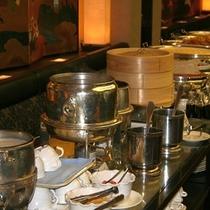 【600×600】朝食 おかゆ、スープカレー、点心コーナー