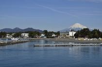三保シーサイドホテル福田家と富士山