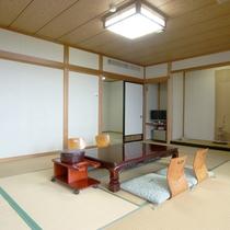 客室422(12畳+4畳)