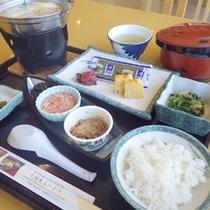 *【朝食一例】朝からしっかり栄養補給!美味しいご飯をいただきます!