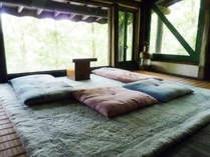 ベッドルーム2F